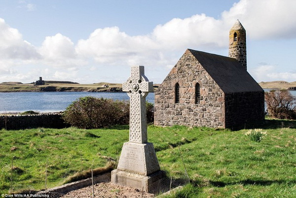 Canna Rhu Church